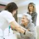 geriatricarea cuidar de los mayores en el hogar