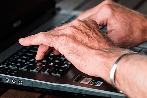 geriatricarea trabajar durante la vejez