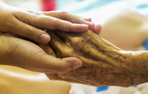 geriatricarea cuidadoras no profesionales