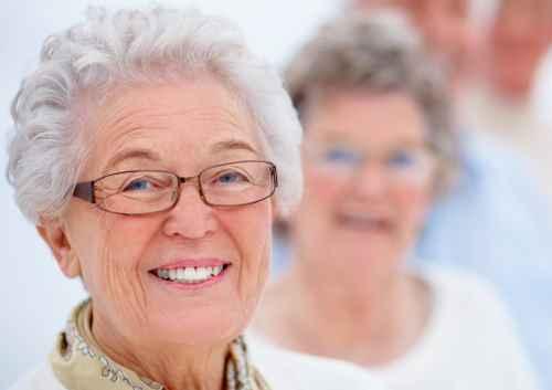 geriatricarea mujeres cuidadoras