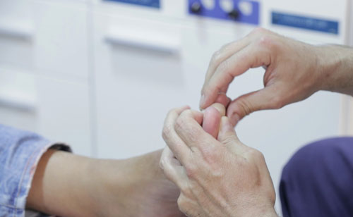 Geriatricarea-ortopodologia-piegeriatrico
